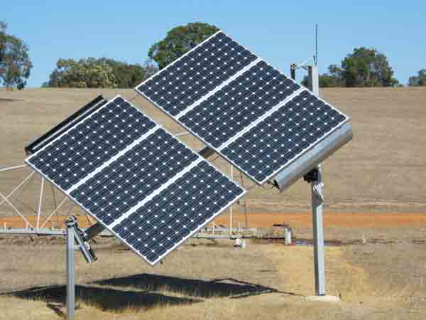 Solar tracking Grundfos pump bore